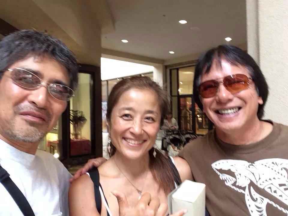 Slack Key Guitar Fes 主催のMilton Lauさん、Trail MixのCalifsoさんとアラモアナでランチ