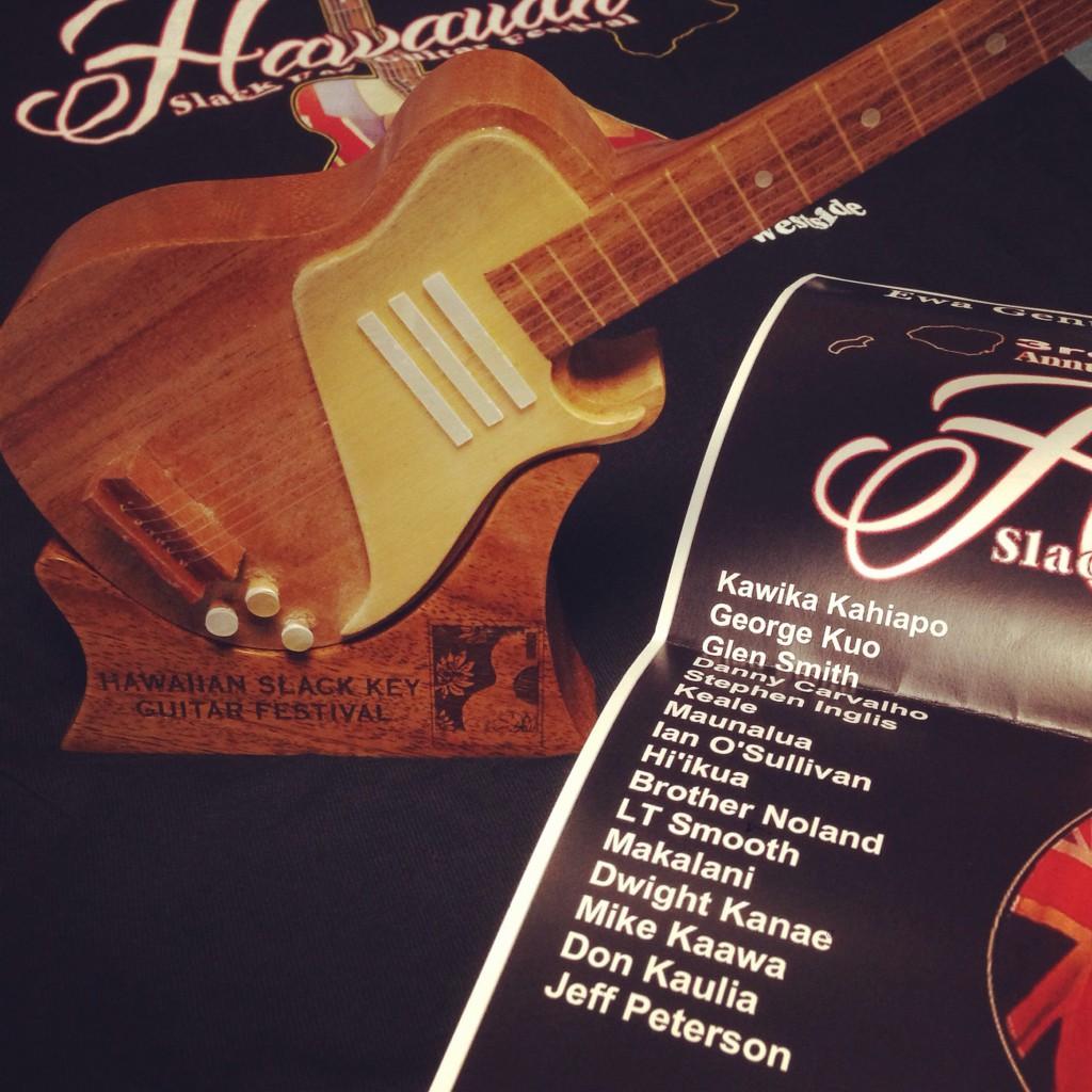 Slack Key Guitar Fes オリジナル 置物、MAKALANI 名前入りフライヤー、Tee